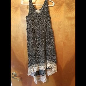 Girls Black/White Hi-Low Sundress w/ lacetrim EUC